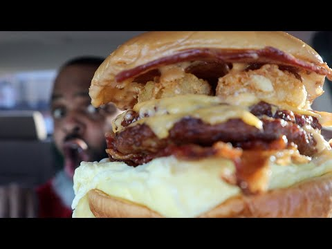 NEW Burger King Breakfast Bacon King Review