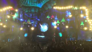 Alesso - On My Way vs. Destinations vs. Five Hours (Alesso Mashup) Live at EDC LV 2015