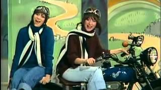 Martha & Tena Elefteriadu - Od zítřka máme dovolenou (1976)