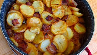 Roast Potatoes With Bacon Delicious Potato Recipe - Mouthwatering Homemade Fried Potatoes And Bacon