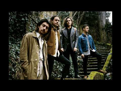 Arctic Monkeys | Golden Trunks Sub. Español | Tranquility Base Hotel & Casino | Rodrigo.mp4