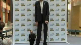 Самый высокий и самый низкий встретились