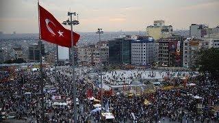 Турция: мусульмане тоже вышли митинговать против...