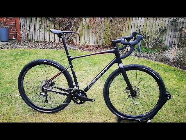 Видео Велосипед Giant Revolt 1 Black/Gunmetal