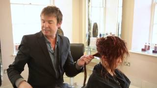 preview picture of video 'How to create Richard Ward's signature Chelsea Blow Dry'