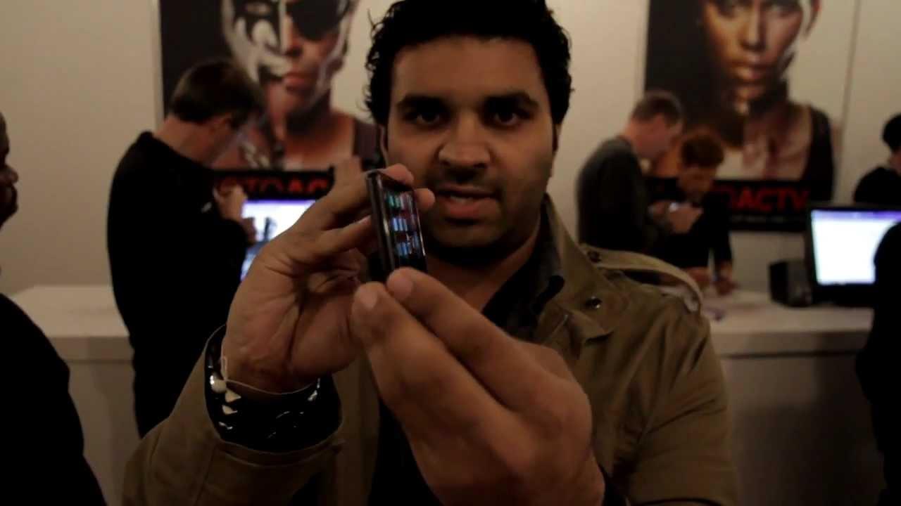 Motorola DROID RAZR demo thumbnail