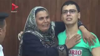 قاضي أحداث العدوة يسمح لوالدة متهم بلقاء ابنها ويخلي سبيله