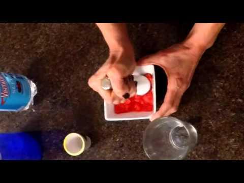 Video FRESH GRAPEFRUIT & VODKA  FIZZ