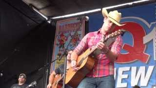 Dustin Lynch - Dancing in the Headlights (10/27/12)