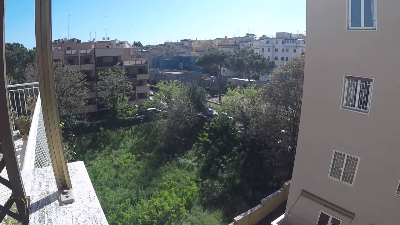 Spacious rooms in a quiet 3-bedroom apartment for rent in Monte Sacro