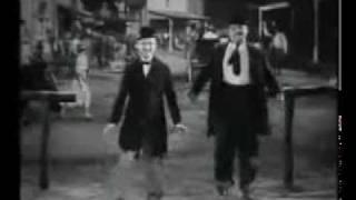 El Baile de Laurel y Hardy: Oye Como Va