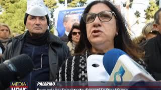 Gli Invisibili della Formazione in protesta davanti la Presidenza della Regione Siciliana