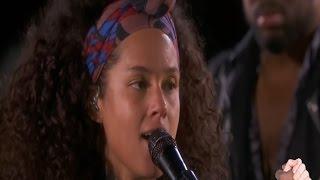 Alicia Keys   No One   Live On Times Square New York Mit Deutschen Und Englischen  Songtext