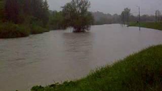 preview picture of video 'Łapanów - powódź 16.05.2010'