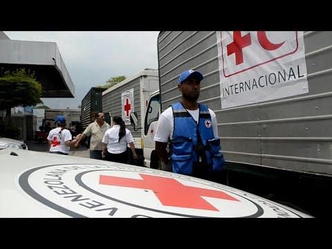 العرب اليوم - شاهد: أولى مساعدات الصليب الأحمر تصل إلى كراكاس في فنزويلا