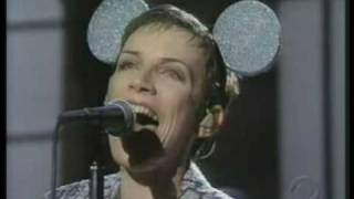 "Annie Lennox NO MORE I ""LOVE YOU'S"" (live + interview)"