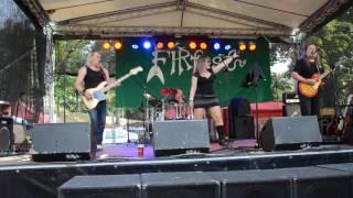 Video Stará Škola - live - Fírfest 2016
