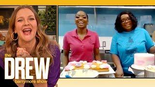 Drew Judges Mother-Daughter Cake Decorating Contest