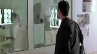 11x21 - Noah Wyle parlant français