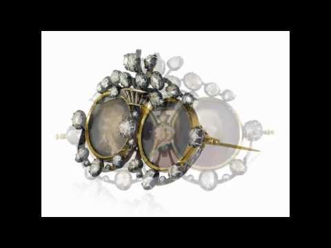 Antike Brosche mit Diamanten und Medaillons