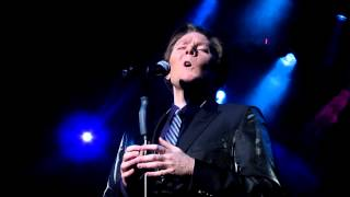 Clay Aiken Sings O Holy Night in Milwaukee, during his Joyful News tour
