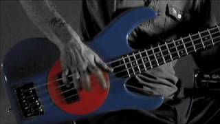 "Flea demonstrates how to ""Slap"" on a Fleabass!"