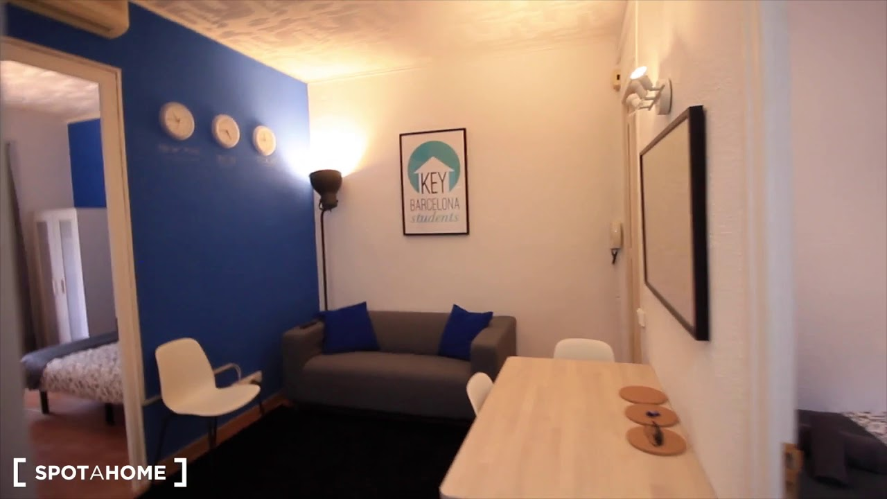 Rooms for rent in a renovated 3-bedroom apartment in Eixample