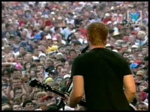 QOTSA - Queens Of The Stone Age - Gonna Leave You - LIVE @ BDO