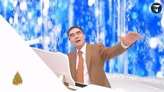 Смотреть онлайн Президент Туркменистана поет песню на немецком