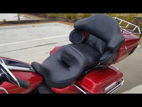 2013 Harley-Davidson<sup>®</sup> Ultra Classic® Electra Glide® FLHTCU