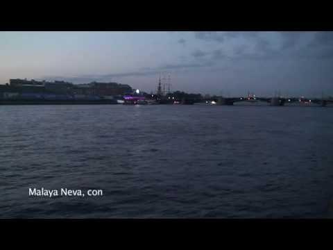 St Petersburg Walking Tour : White Nights