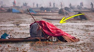 This Is Why Indian Fishermen Cover Their Heads With Blankets