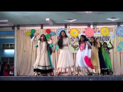 9th IIT & regular girls dance on 2014 15 farewell program.