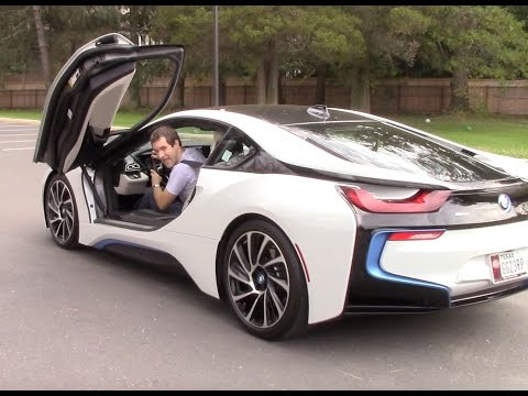BMW i8 Hybrid Gas-Electric Supercar Features