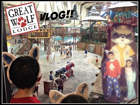 Great Wolf Lodge VLOG! Indoor Water park! Gift Shop! Bowling and more!