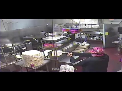 Video Armed robbery inside Glendale Federico's restaurant