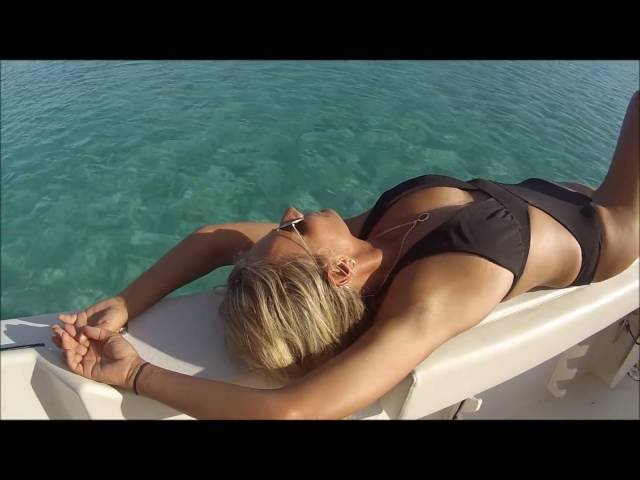Sexy Girl Snorkeling Fun Nassau, Bahamas