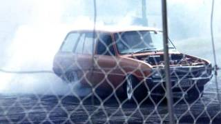 preview picture of video 'Two rota wagons do burn outs at Kaipara Car Show 2012'