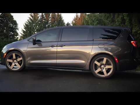 Project Vanessa, custom 2017 Chrysler Pacifica