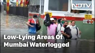 Heavy Rain Leads To Flooding In Several Parts Of Mumbai - Download this Video in MP3, M4A, WEBM, MP4, 3GP