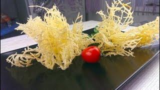 Чипсы из жареного пармезана. Сырные чипсы. Украшение для еды. Декор для горячих и холодных блюд