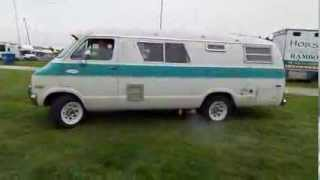 1971 Dodge Xplorer 224 B300 Camper Van. Cold Start.