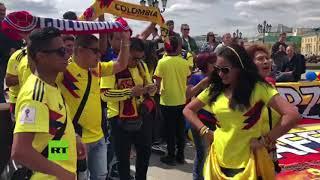 La cumbia colombiana llega a Rusia: Ambiente festivo de los hinchas en el centro de Moscú