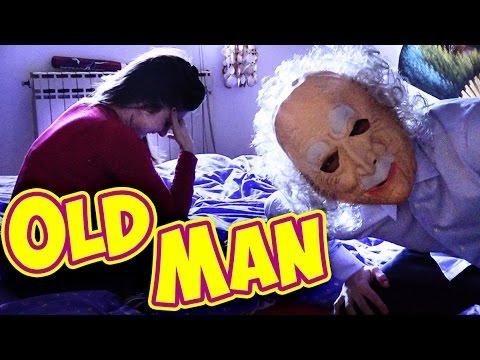 SCHERZO UOMO ANZIANO A LETTO - Old Man SLEEPS PRANK