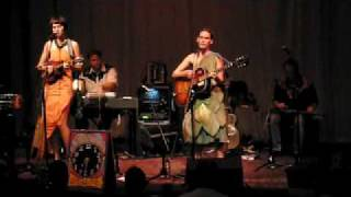 """The Ditty Bops @ Old Town School: """"Waking Up In The City"""""""