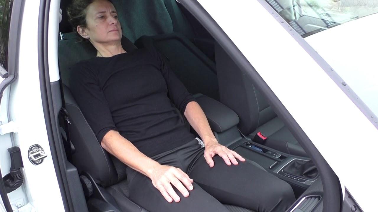 Vídeo sobre Escuela de cadera. Entrada al coche con ayuda.