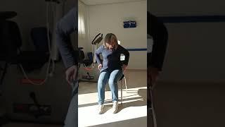 Ejercicio para estirar la musculatura de la espalda