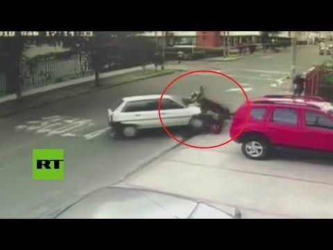 Conductor arrolla a dos ladrones que estaban encañonando a un peaton en Colombia