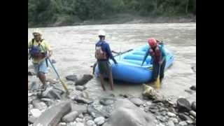 preview picture of video 'Rafting at Trishuli River'