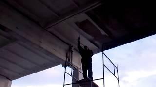 Покраска потолка склада
